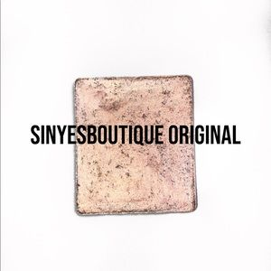 SINYESBOUTIQUE MINERAL INFUSED SHIMMER SHADOW